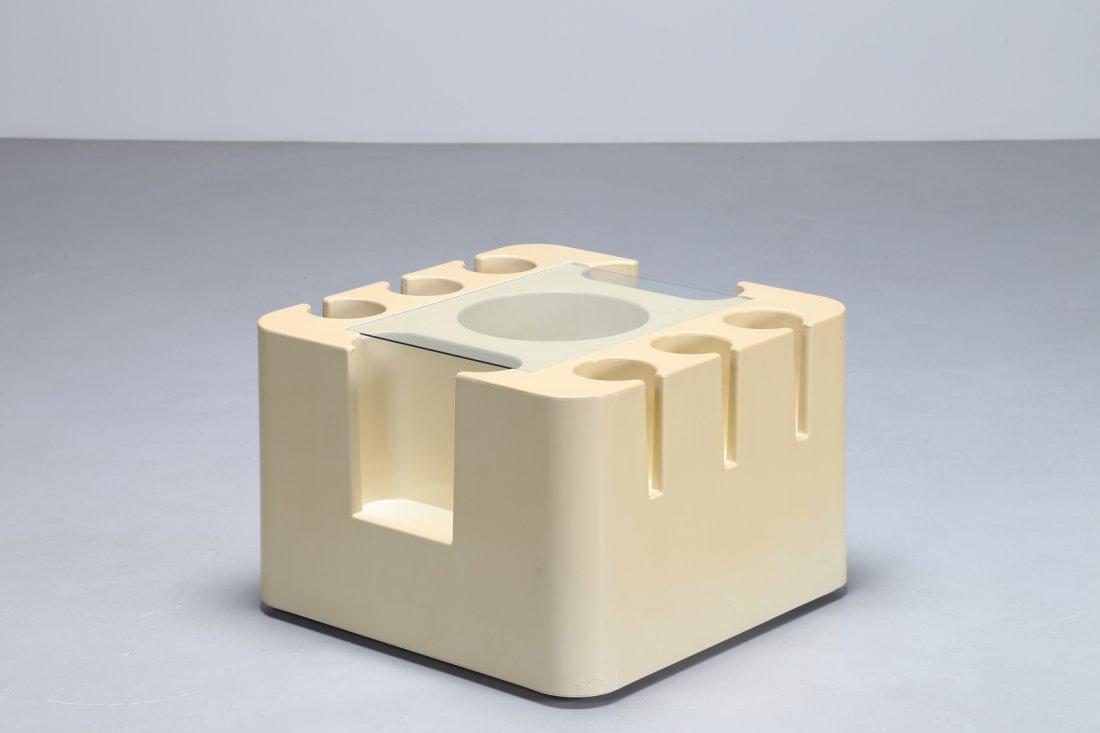 SERGIO MAZZA Mobiletto bar in plastica e vetro, serie
