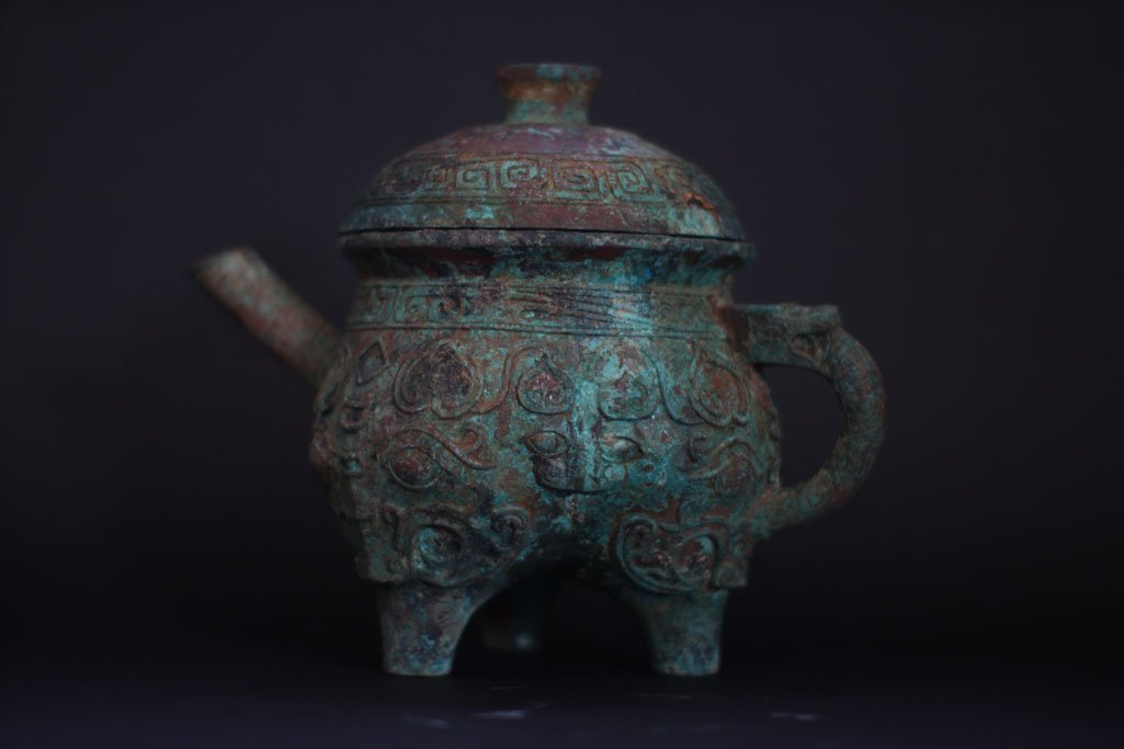 chinese ancient Ding pot