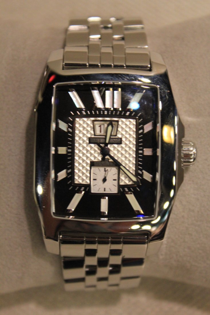 235: Breitling Bentley Flying B Men's Watch. Stainless