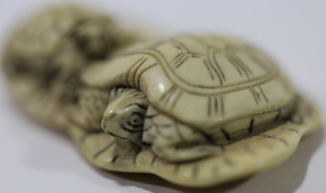 JAPANESE ANTIQUE TURTLE LOTUS HAND CARVED NETSUKE - 3
