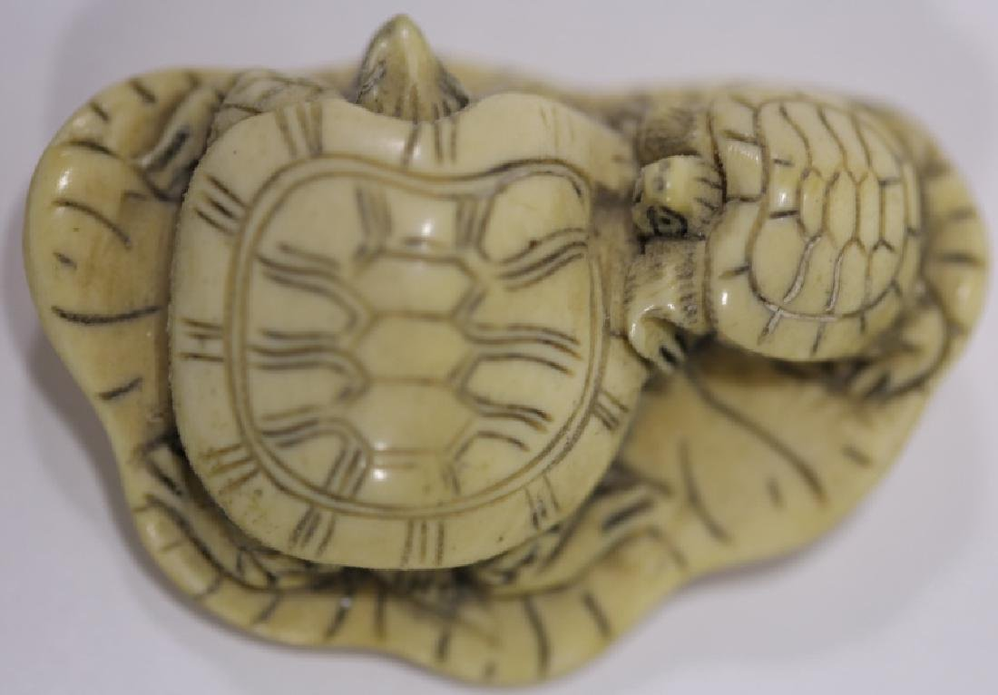 JAPANESE ANTIQUE TURTLE LOTUS HAND CARVED NETSUKE - 4