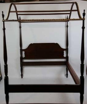 FINE MAHOGANY CANOPY FLUTED POSTER QUEEN BED