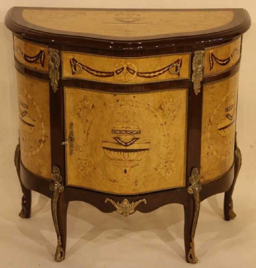 FINE INLAID DECORATIVE COMMODE
