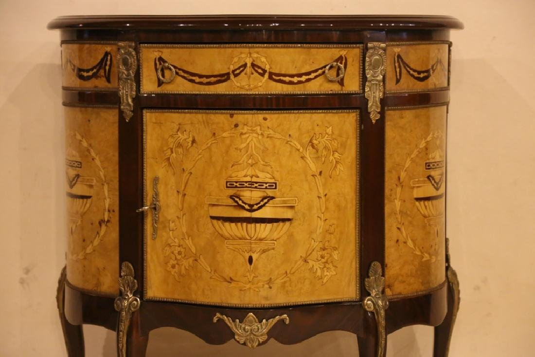 FINE INLAID DECORATIVE COMMODE - 7