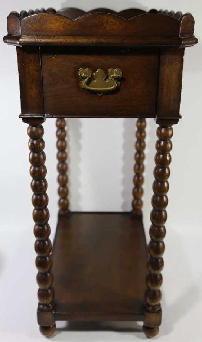 VINTAGE MAHOGANY SIDE TABLE