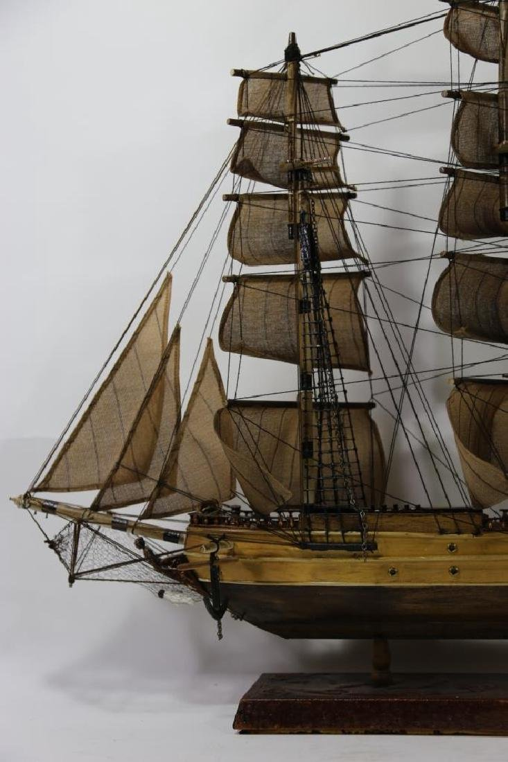 NAUTILUS 1866 SHIP'S MODEL - 3