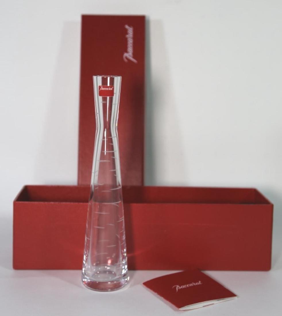 BACCARAT FINE MODERN GLASS VASE W/ ORIGINAL CASE