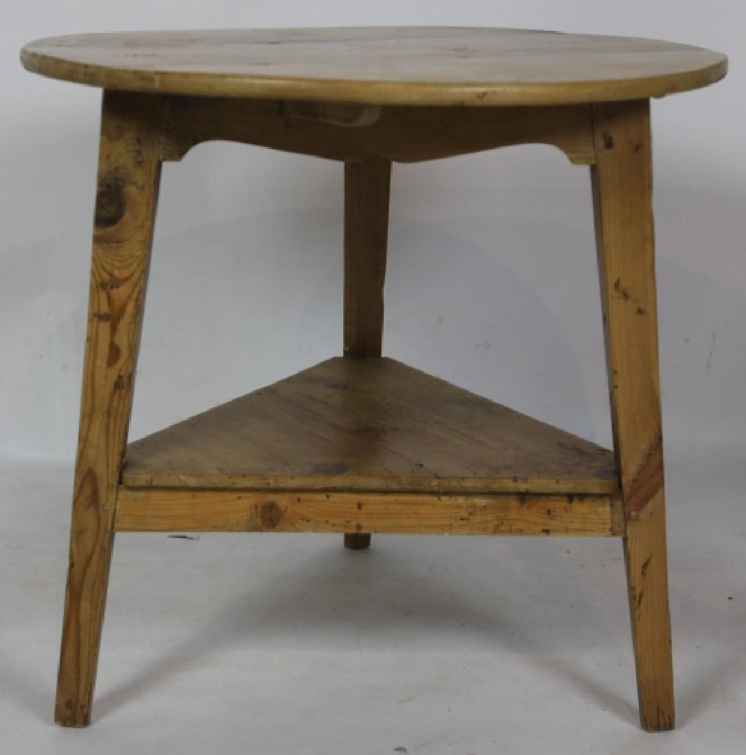 ANTIQUE SOUTHERN YELLOW PINE CRICKET TABLE - 3