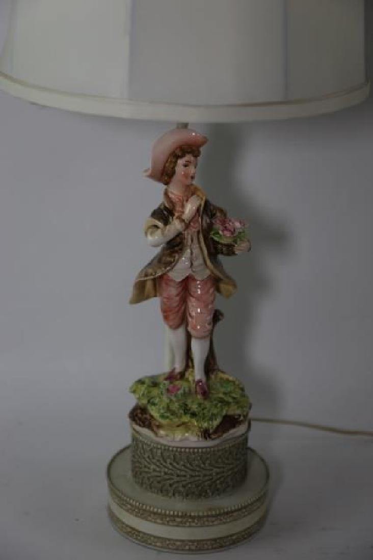 PORCELAIN FIGURAL VINTAGE LAMP - 2