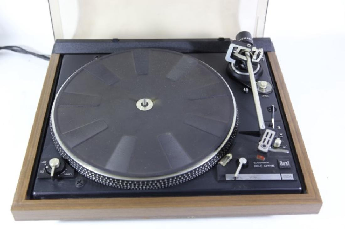 DUAL VINTAGE RECORD PLAYER - 4