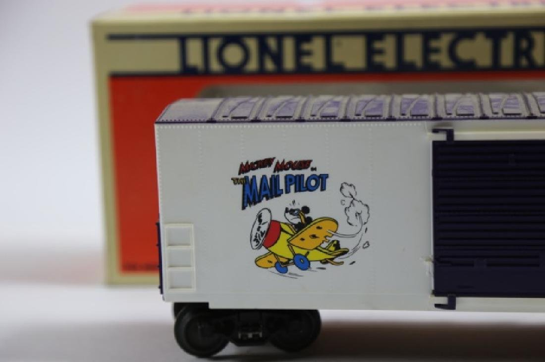 LIONEL MICKEY MOUSE MAIL PILOT BOXCAR 19261 - 2