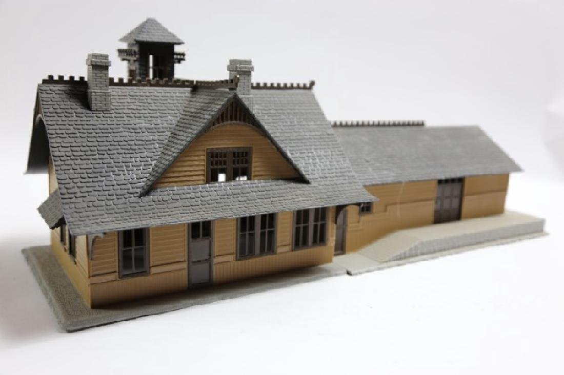 O SCALE TRACK FACTORY W/ CEO CROWS NEST TOWER - 2