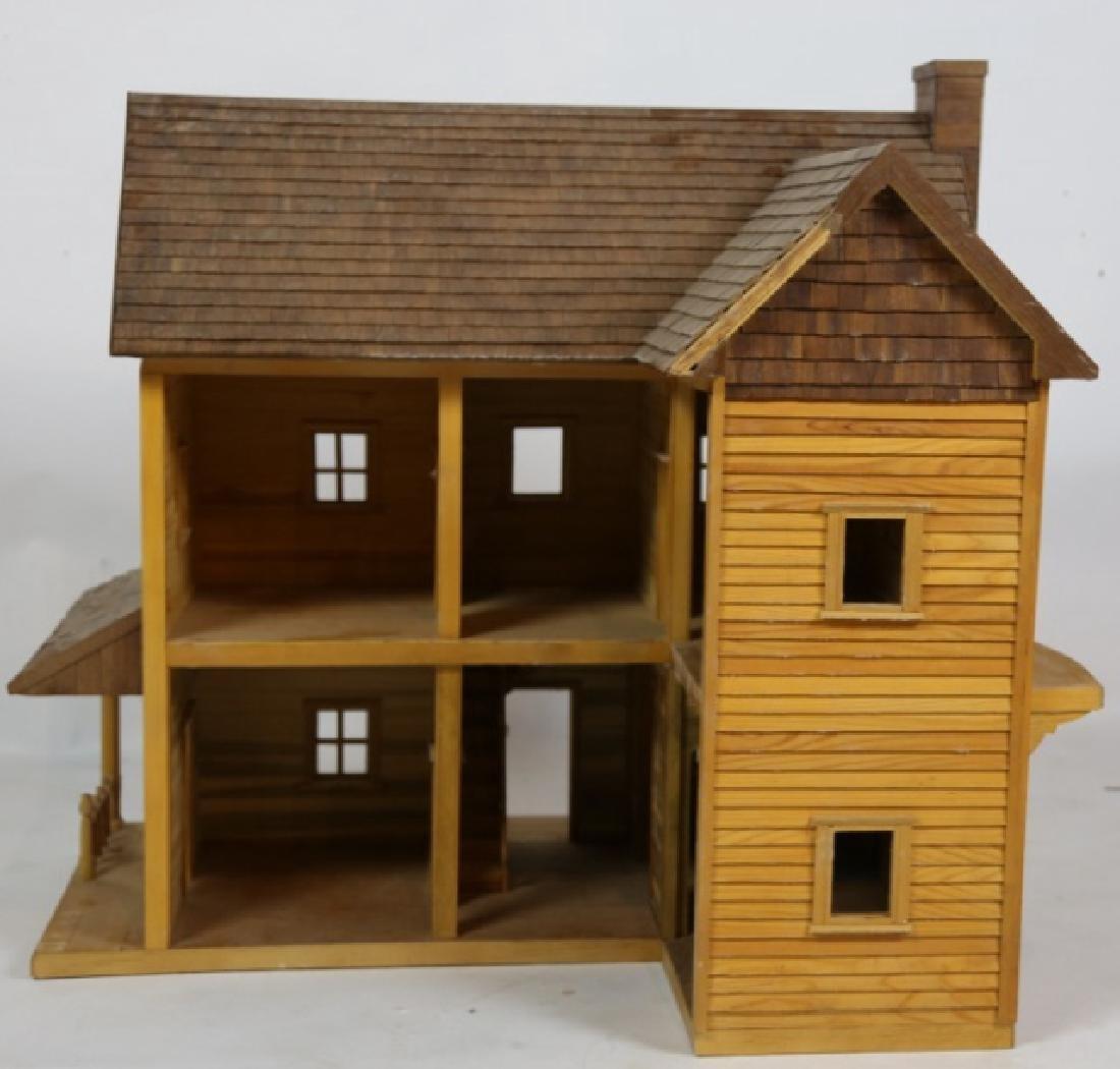 VERY FINE CUSTOM PLAY / DOLL HOUSE - 7