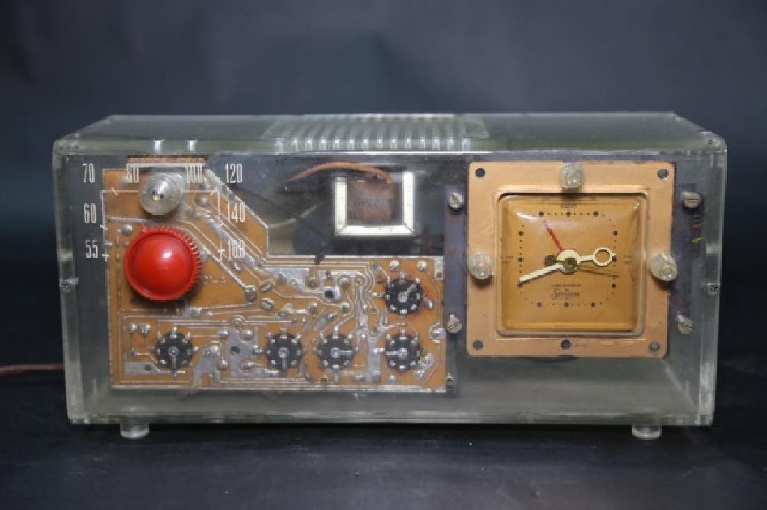 MID CENTURY LUCITE SERITONE VINTAGE RADIO CLOCK