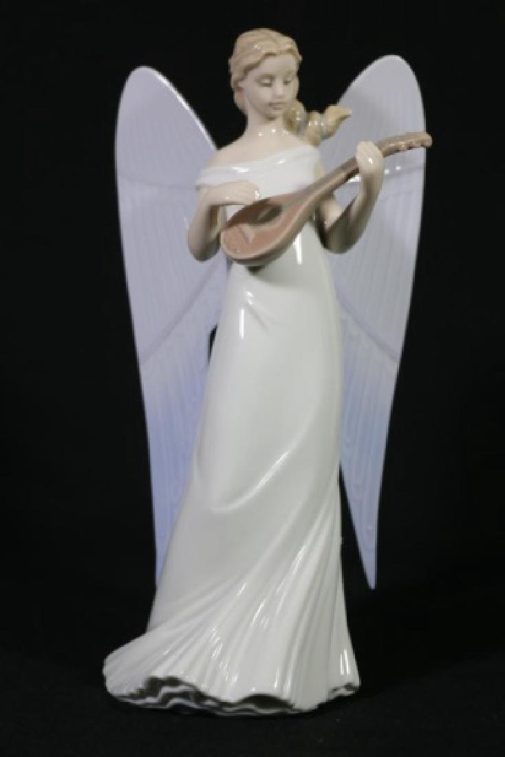 "LLADRO ""ANGEL WITH MANDOLIN""  PORCELAIN SCULPTURE"