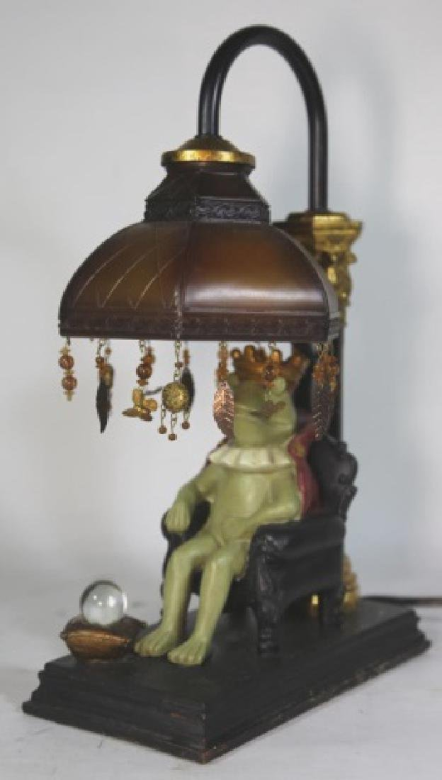 FINE DECORATIVE FROG KING LAMP - 2