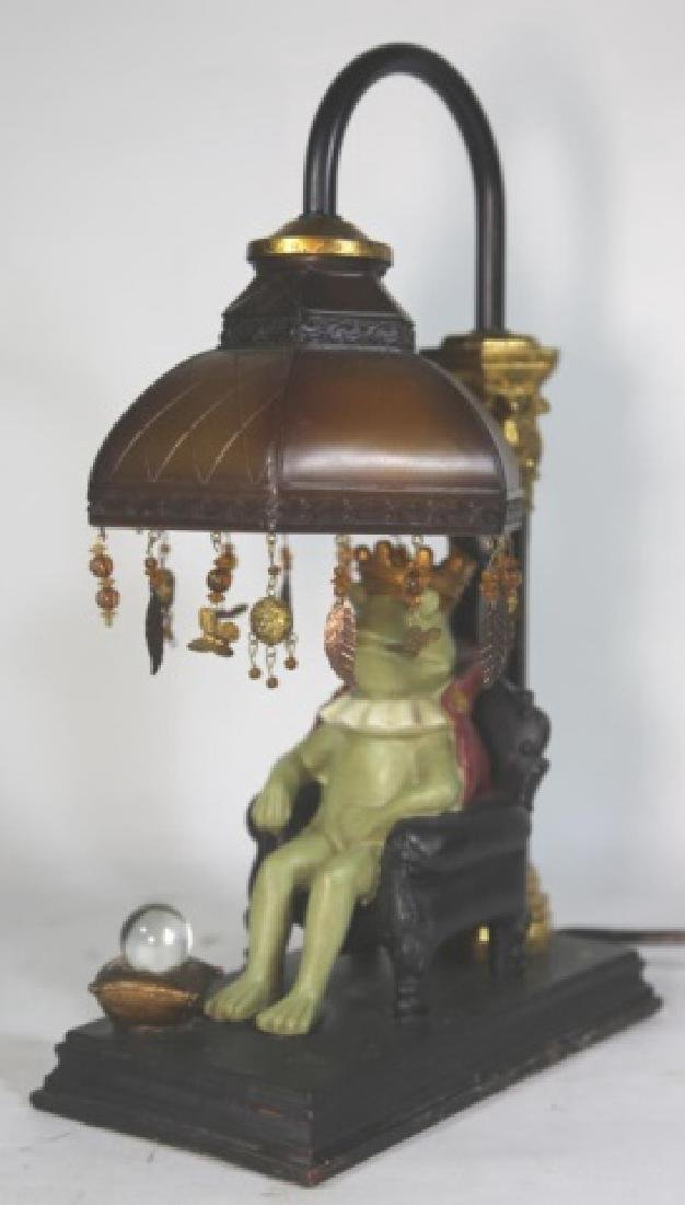 FINE DECORATIVE FROG KING LAMP - 3