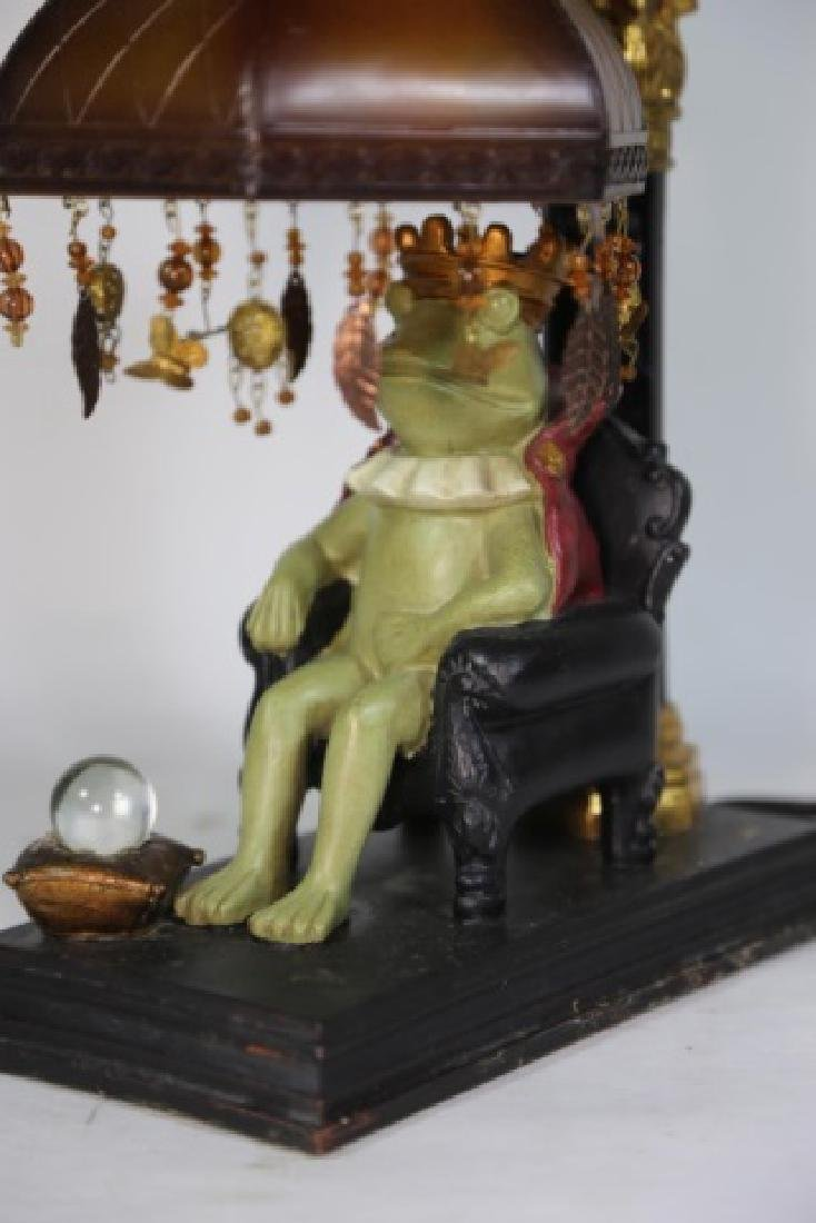FINE DECORATIVE FROG KING LAMP - 4