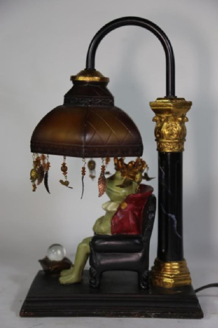 FINE DECORATIVE FROG KING LAMP - 6