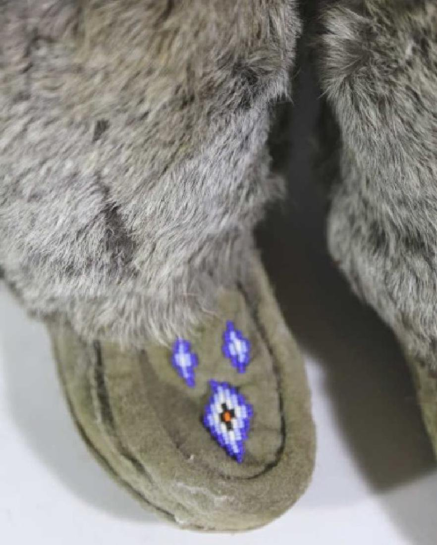NATIVE AMERICAN HAND BEADED / FUR MOCCASIN BOOTS - 4