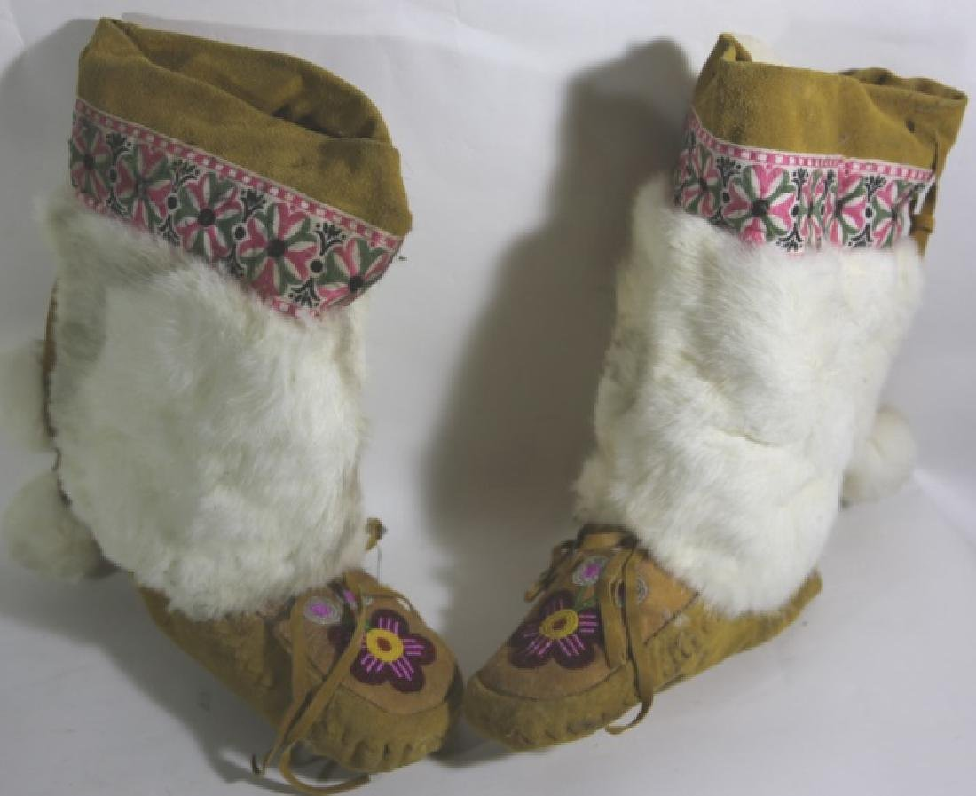 NATIVE AMERICAN HAND BEADED MOCCASIN LADIES BOOTS