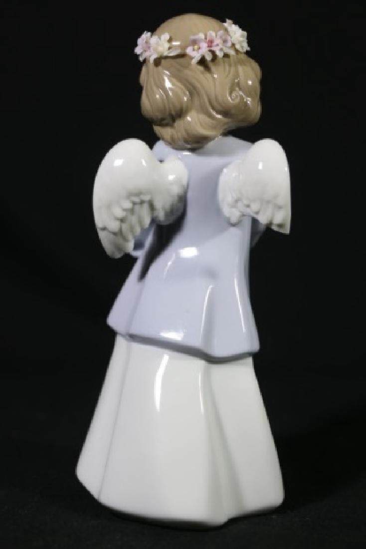 LLADRO  ANGEL PORCELAIN SCULPTURE - 4