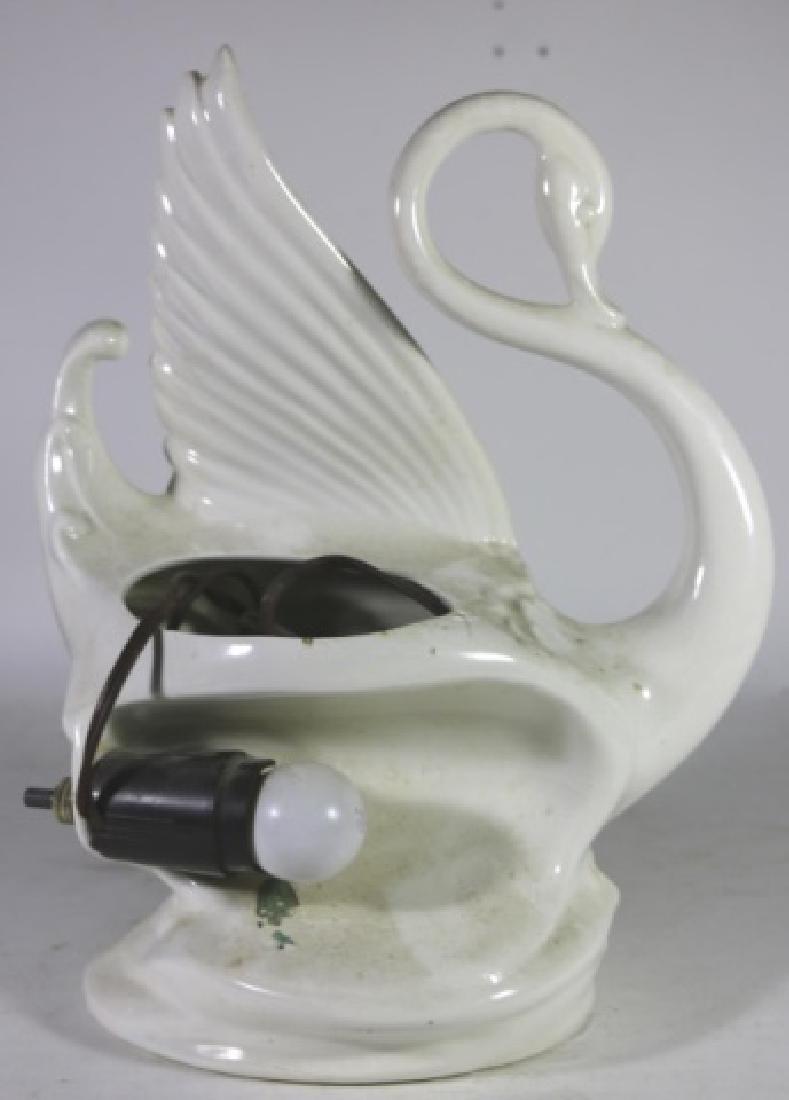 MID CENTURY MODERN CERAMIC SWAN TV LAMP - 4