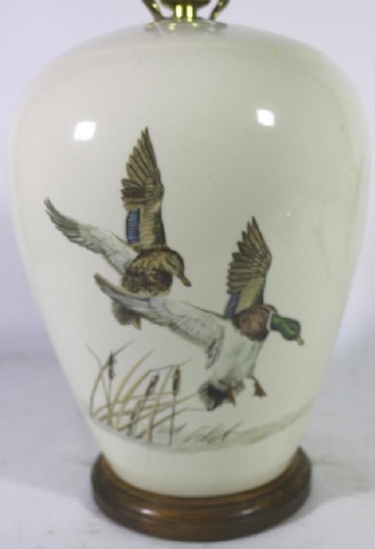 VINTAGE HAND PAINTED WATER FOWL MALLARD LAMP - 2