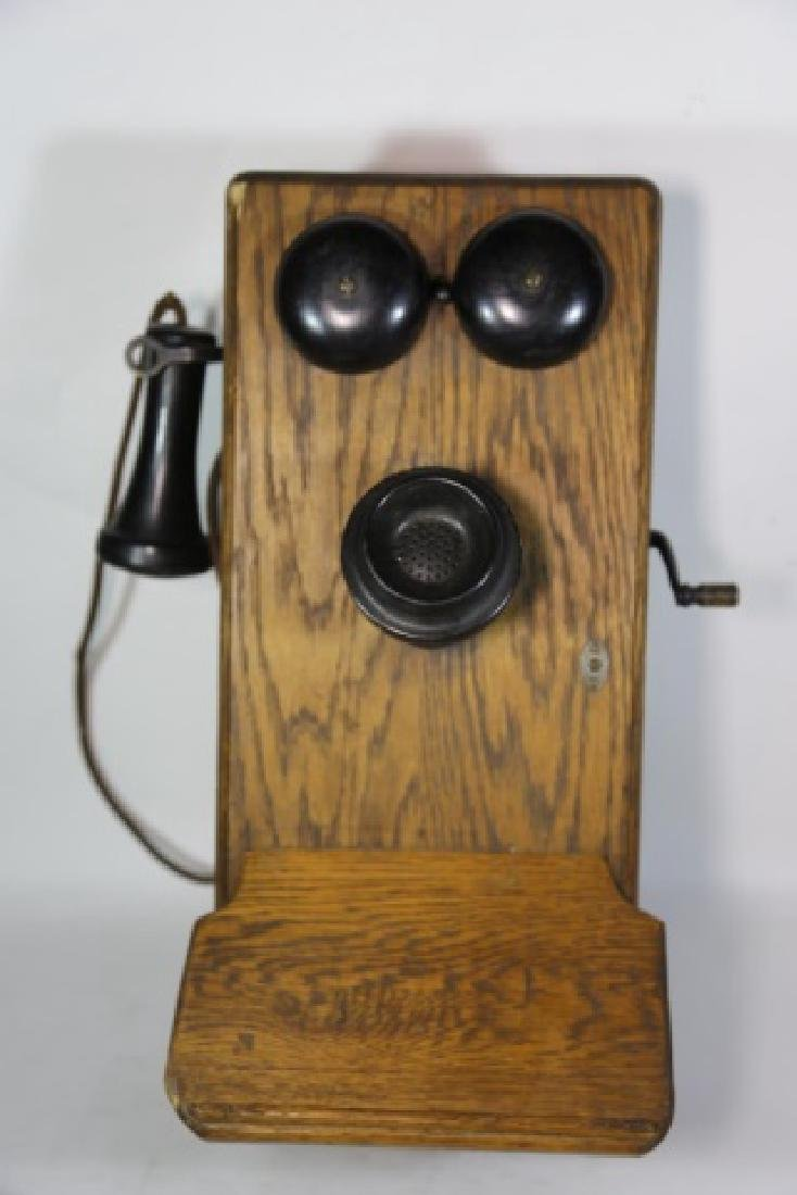 AMERICAN ANTIQUE OAK TELEPHONE
