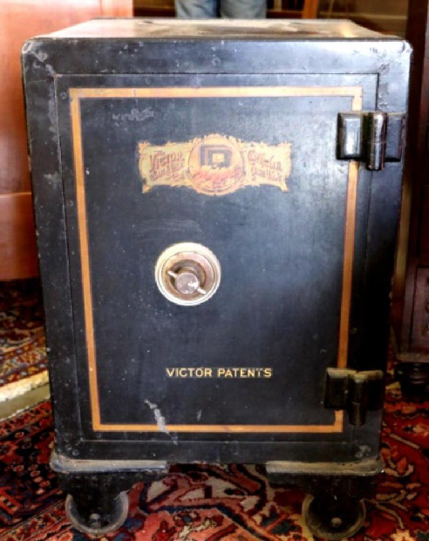 THE VICTOR SAFE & LOCK CO. CINN. OH. ANTIQUE SAFE