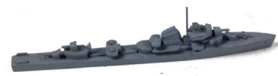 VINTAGE MODEL WARSHPS MODELS - 4