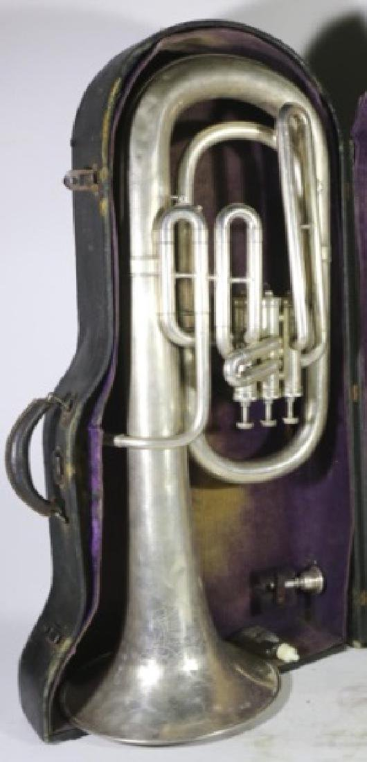 AMERICAN STANDARD ANTIQUE SILVER BARITONE IN CASE - 10