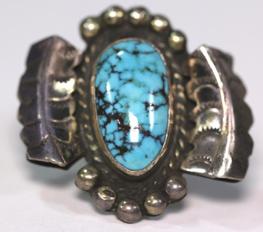 NATIVE AMERICAN STERLING SLIVER & TURQUOISE RING