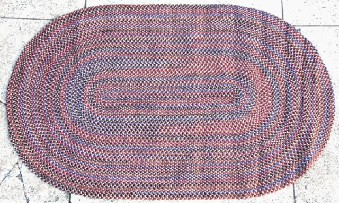 NC HAND MADE OVAL COUNTRY STYLE HOOK  RUG