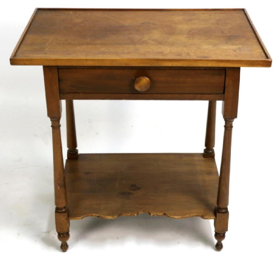 AMERICAN ANTIQUE WALNUT SINGLE DRAWER SIDE TABLE
