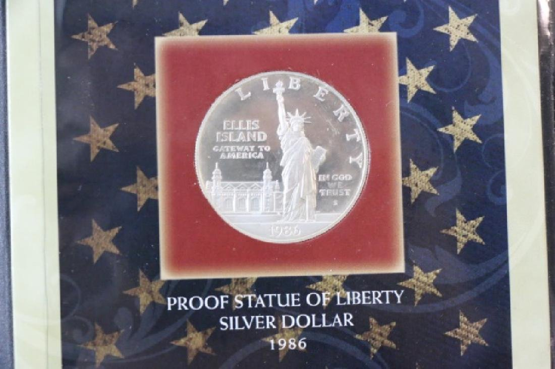PRESENTATION  STATUE OF LIBERTY SILVER DOLLAR - 2