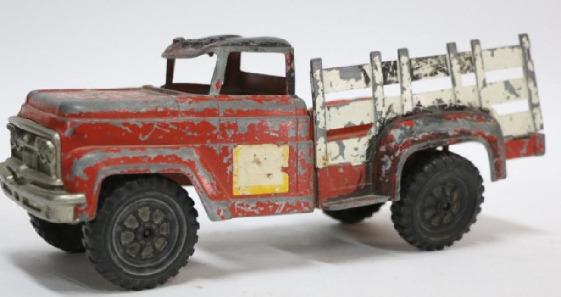 HUBLES LANCASTER PA  ANTIQUE METAL TOY TRUCK