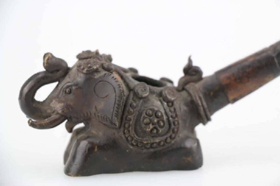 CHINESE ANTIQUE BRONZE ELEPHANT SMOKING PIPE - 2
