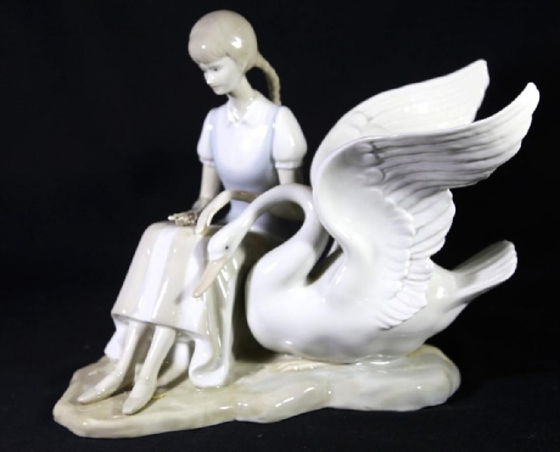 LLADRO STYLE PORCELAIN OF GIRL FEEDING SWAN - 4