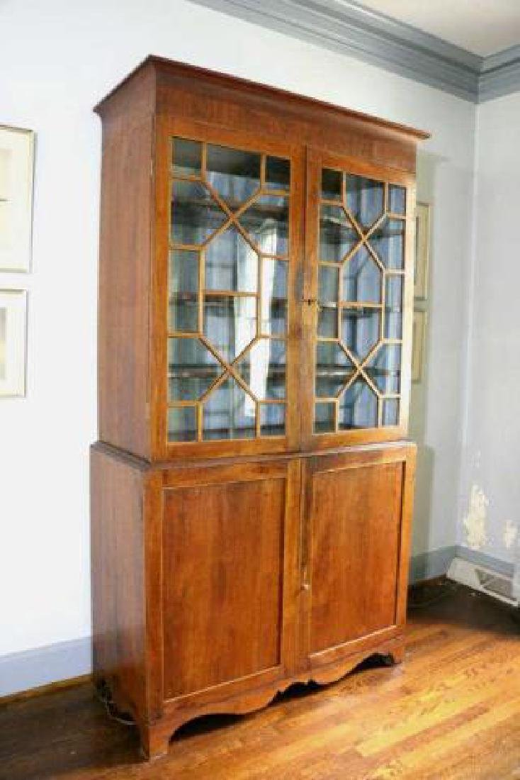 AMERICAN SOUTHERN ANTIQUE BOOKCASE - 2