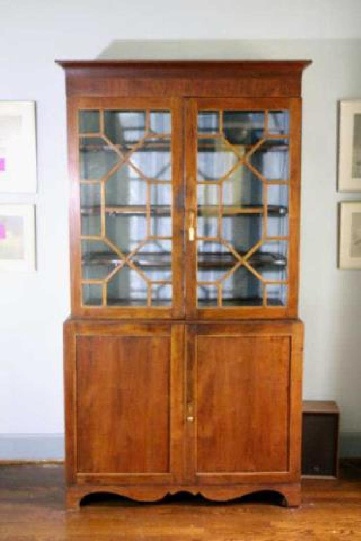 AMERICAN SOUTHERN ANTIQUE BOOKCASE - 3