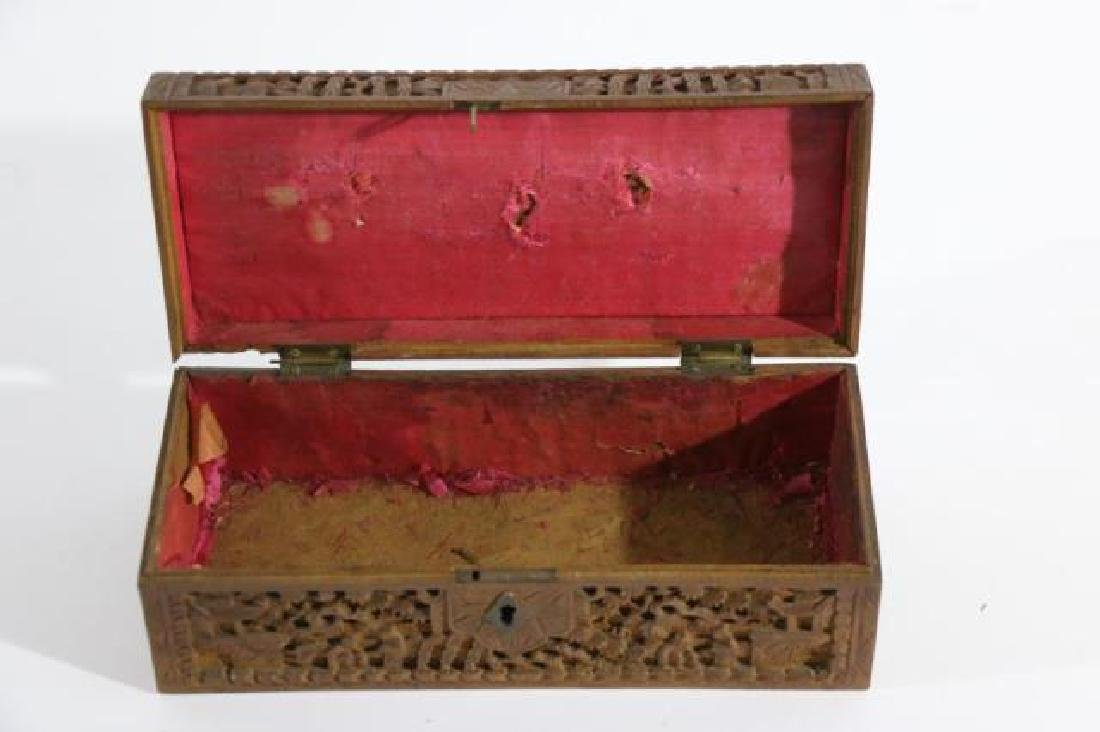 CHINESE HAND CARVED PEN BOX - 3