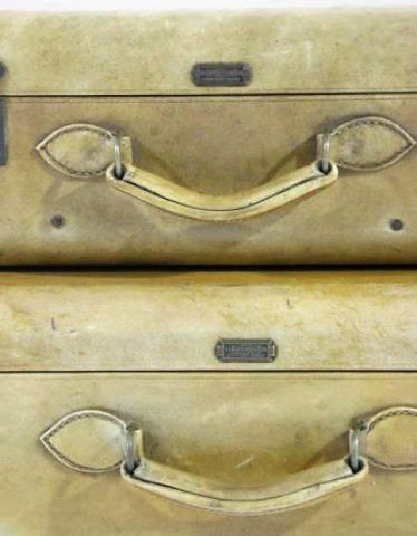 HARTMAN ANTIQUE LUGGAGE SET - 3