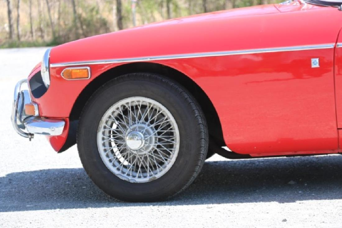 1972 MGB CLASSIC CONVERTIBLE ROADSTER - 6