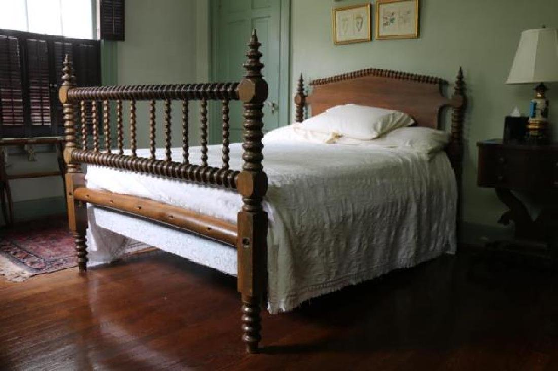 AMERCIAN SOUTHERN WALNUT ANTIQUE SPINDLE ROPE BED - 2