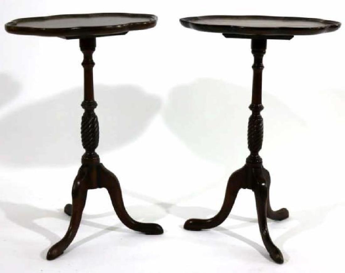 ANTIQUE MAHOGANY PAD FOOT SCALLOPED TRIPOD TABLE - 3