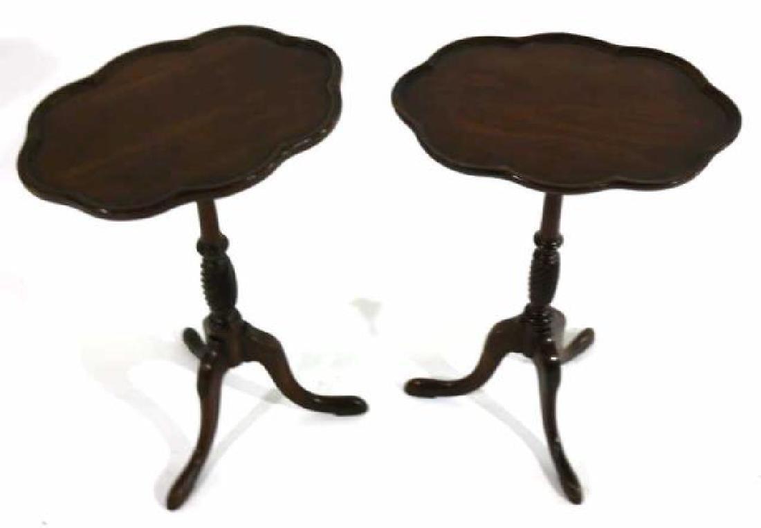 ANTIQUE MAHOGANY PAD FOOT SCALLOPED TRIPOD TABLE - 4