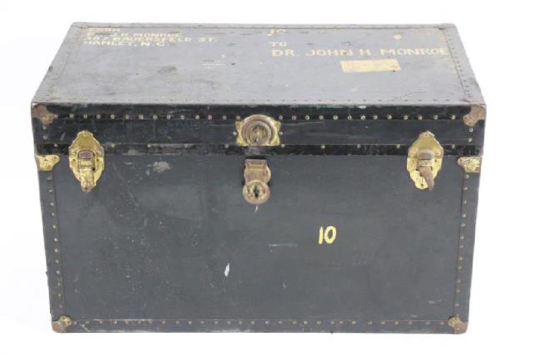 DR JOHN MONROE NAIL-TRIMMED LEATHER FOOTMANS TRUNK