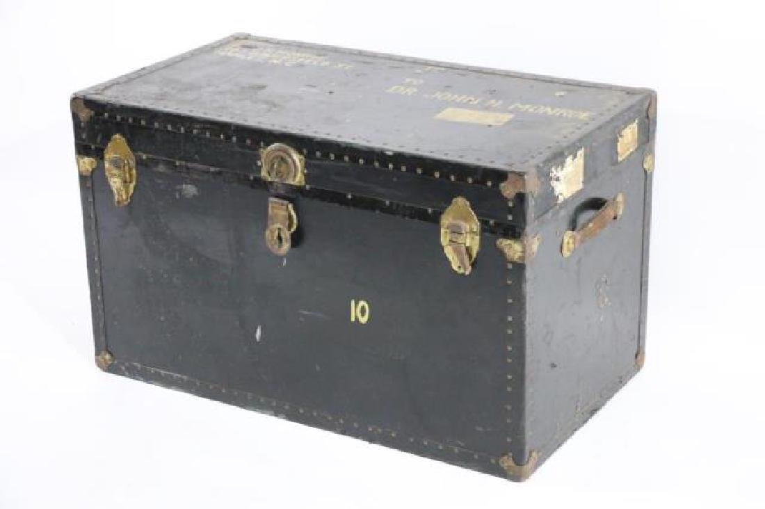 DR JOHN MONROE NAIL-TRIMMED LEATHER FOOTMANS TRUNK - 2