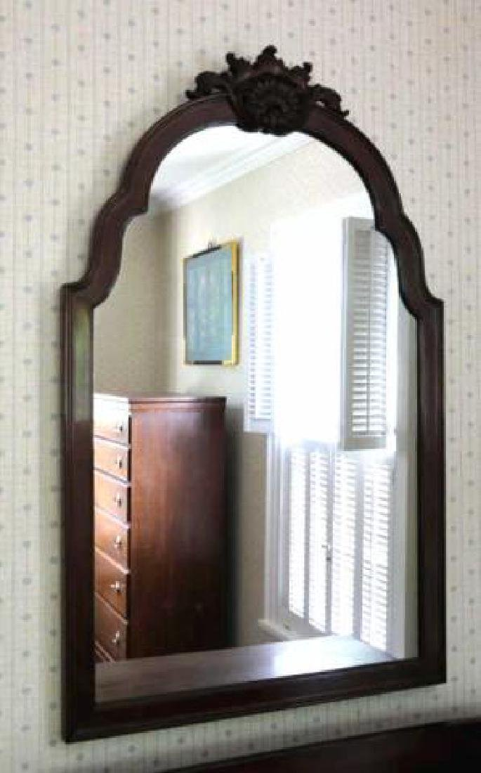 AMERICAN ANTIQUE MAHOGANY CRESTED MIRROR - 3